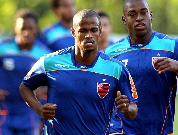 Airton no treino do Flamengo (Foto: Maurício Val / VIPCOMM)