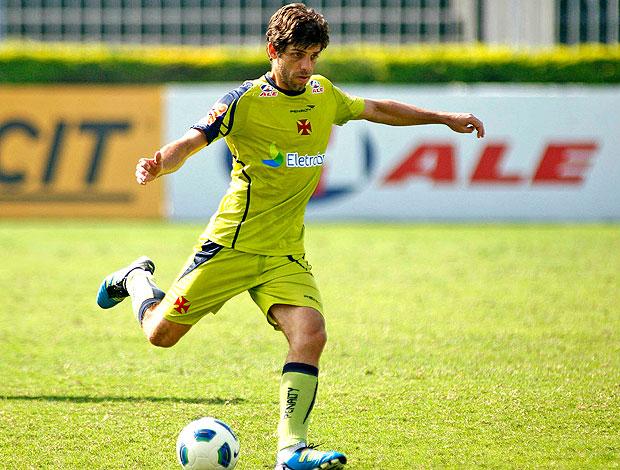 Juninho Pernambucano no treino do Vasco (Foto: Maurício Val / FOTOCOM.NET )