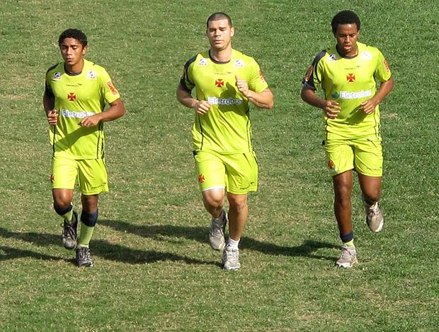misael nilton cesinha vasco treino (Foto: Fred Huber / Globoesporte.com)