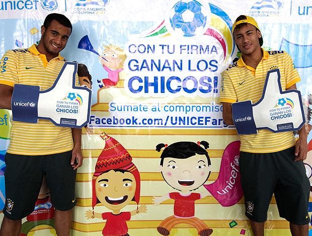 Neymar e Lucas participam de campanha da UNICEF (Foto: Mowa Press)