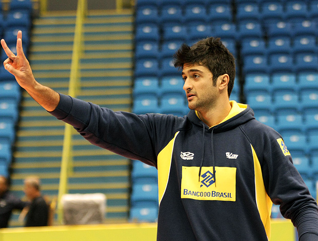 Leandro Vissotto no treino da seleção de vôlei (Foto: Divulgação / CBV)