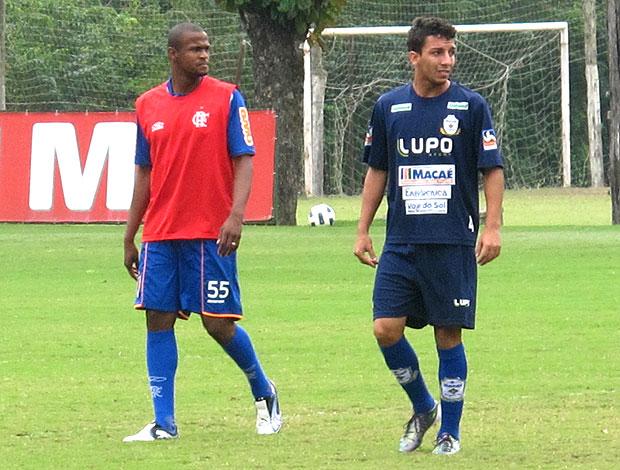 Airton em jogo-treino do Flamengo contra o Macaé (Foto: Richard Fausto / GLOBOESPORTE.COM)