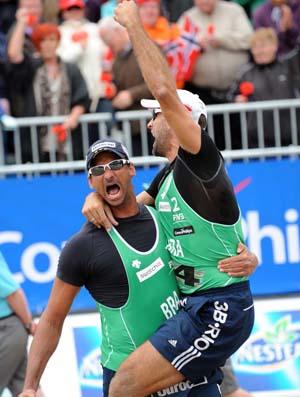 Ricardo e Márcio, vôlei de praia (Foto: Divulgação/FIVB)