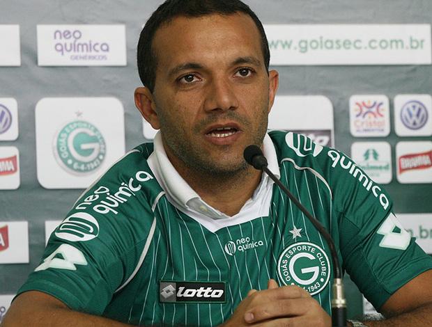iarley goiás apresentação (Foto: Divulgação Site Oficial do Goiás)