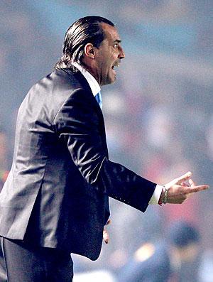 Sergio Batista no comando fa Argentina contra a Colômbia (Foto: Reuters)