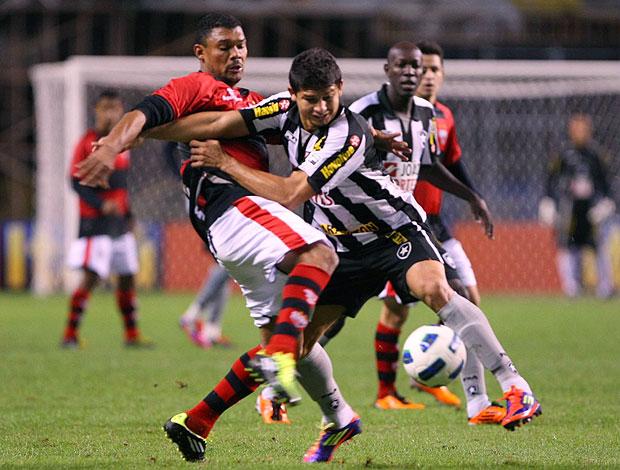 Elkeson do Botafogo no jogo contra o Atlético-GO (Foto: Guilherme Pinto / Ag. O Globo)