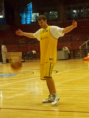 Tiago Splitter no treino da seleção de basquete (Foto: Rodrigo Alves / Globoesporte.com)