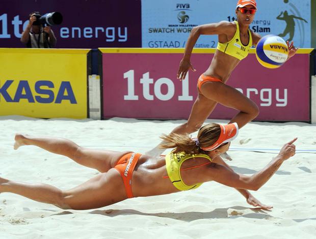 vôlei de praia Juliana e Larissa na etapa da Suíça (Foto: divulgação / FIVB)