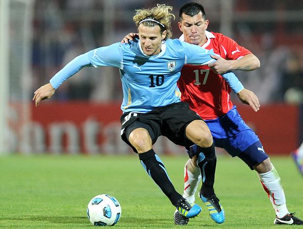 Forlan Uruguai x Chile Copa América (Foto: AFP)