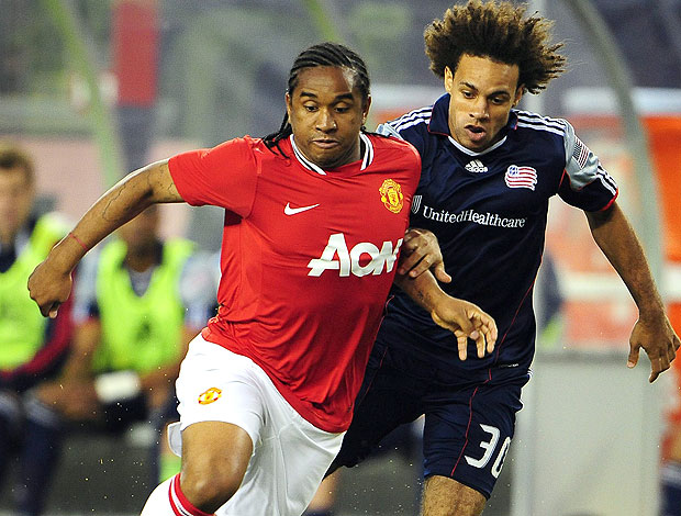 Anderson no jogo do Manchester United contra o New England (Foto: Reuters)