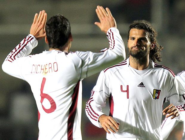Gabriel Cichero e Oswaldo Vizcarrondo gol Venezuela (Foto: EFE)