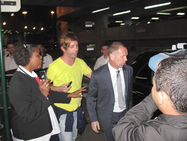 Mano Menezes desembarque (Foto: Fred Huber / Globoesporte.com)