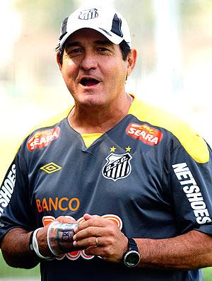 Muricy Ramalho durante entrevista (Foto: Marcos Ribolli / Globoesporte.com)
