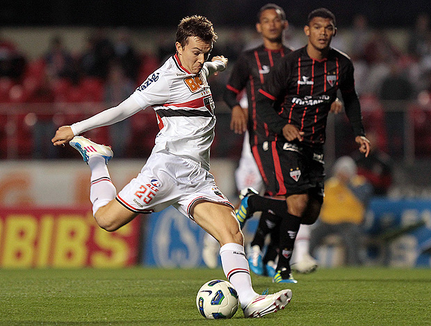 dagoberto são paulo atlético-go (Foto: Wander Roberto / Vipcomm)