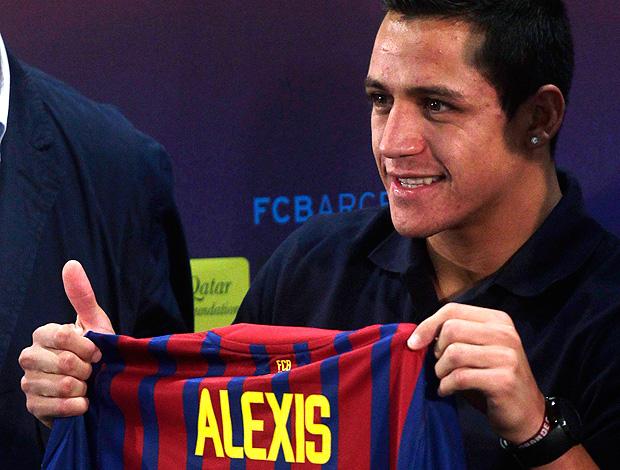 alexis sanchez barcelona apresentação (Foto: Agência Reuters)