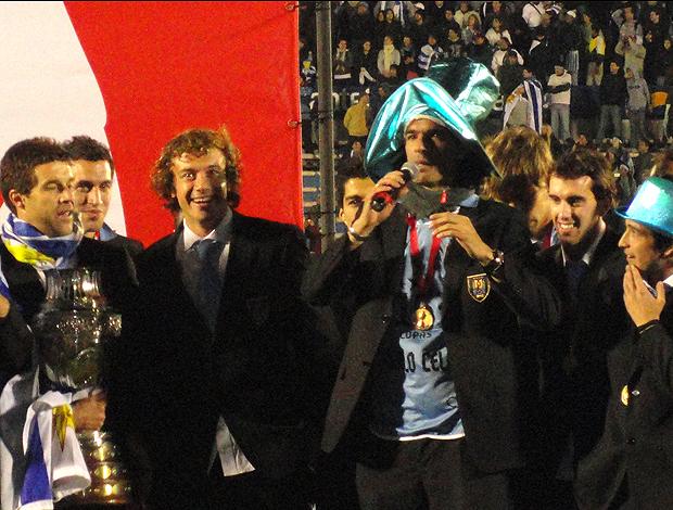 loco abreu uruguai centenário montevideu (Foto: Alexandre Alliatii / Globoesporte.com)