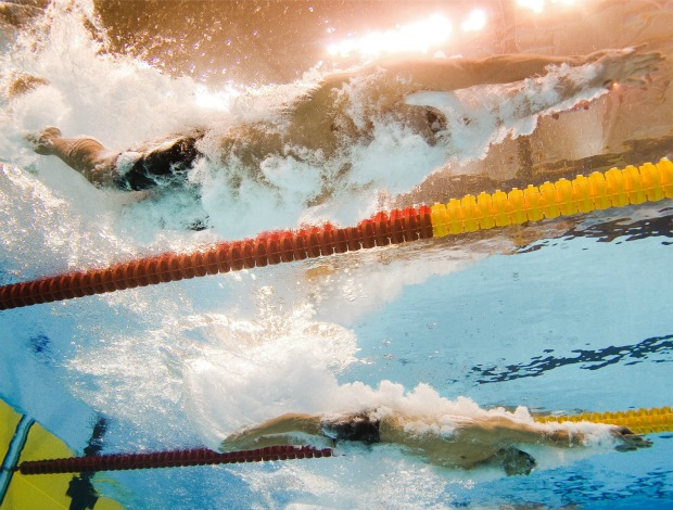 Natação Ryan Lochte Michael Phelps (d) Mundial de Xangai 200m livre eliminatórias (Foto: afp)