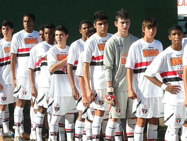 Jogadores do São Paulo Sub-15 (Foto: Cahê Mota / Globoesporte.com)