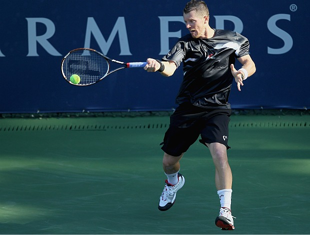 Alex Bogomolov Jr. vence Thomaz Bellucci ATP 250 Los Angeles (Foto: Getty Images)