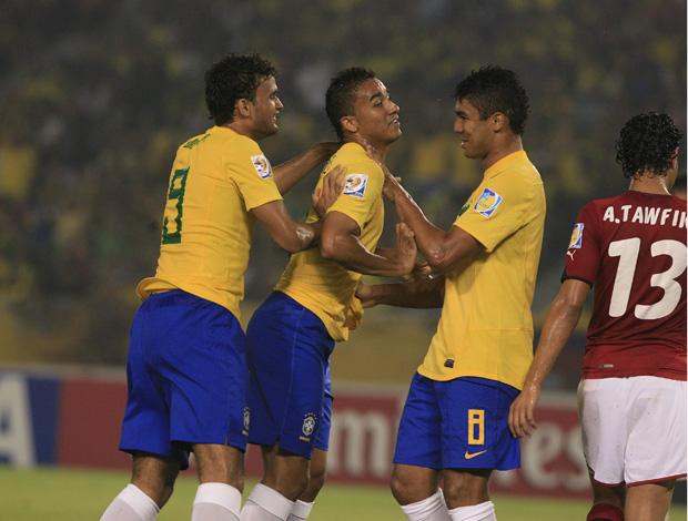 danilo gol brasil x egito mundial sub 20 (Foto: EFE)