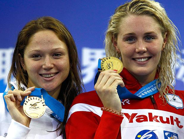 Jeanette Ottesen e Aliaksandra Herasimeniata mundial de natação ouro 100m livre (Foto: Agência Reuters)