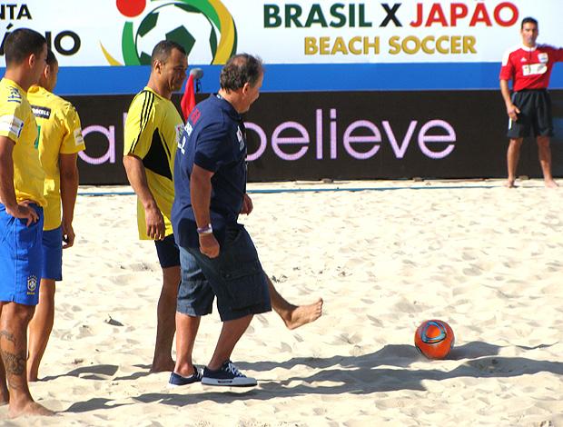 zico futebol de areia brasil japão (Foto: Alfredo Bokel / Globoesporte.com)