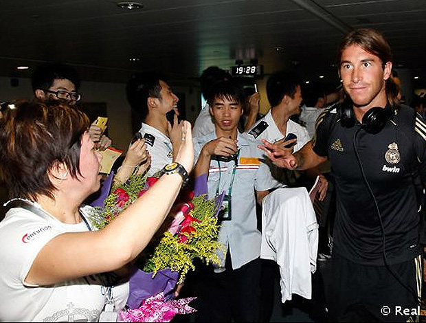 sergio ramos real madrid aeroporto china (Foto: divulgação Site Oficial do Real Madrid)