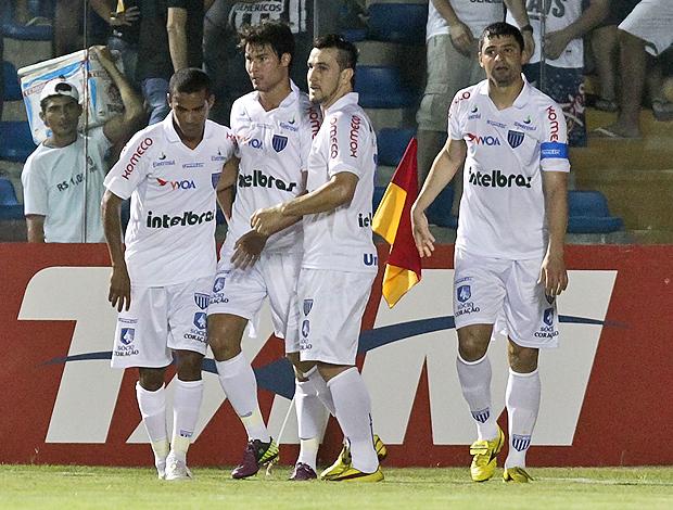 William gol Avaí (Foto: Ag. Estado)
