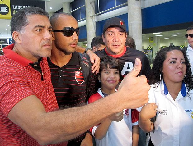 Deivid desembarque Flamengo (Foto: Janir Junior / Globoesporte.com)
