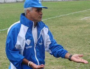 Vevé, técnico do Vitória-ES (Foto: Sidney Magno Novo/Globoesporte.com)