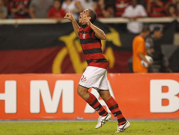 Jael gol Flamengo (Foto: Marcelo Carnaval / O Globo)