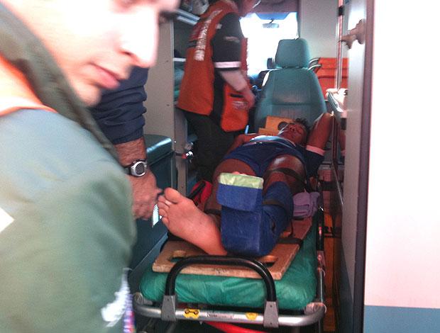 Wallyson cruzeiro ambulância (Foto: TV Globo Minas)