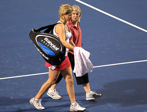 Kim Clijsters abandona partida de tênis (Foto: Getty Images)