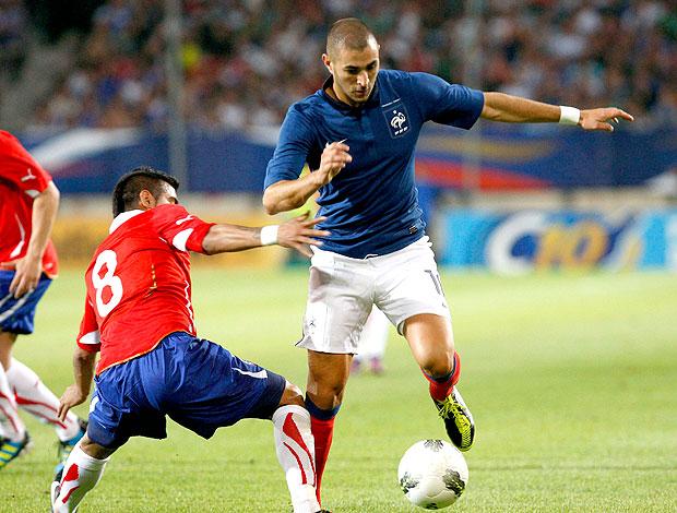 Benzema no amistoso da França contra o Chile (Foto: Reuters)