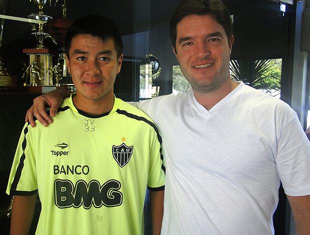 Rauan, do Cazaquistão Diogo Giacomini, técnico do time sub-17atlético-mg (Foto: Lucas Catta Prêta / Globoesporte.com)