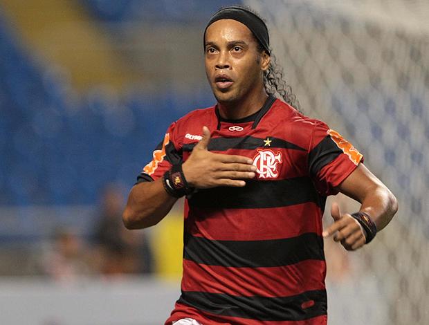 Ronaldinho Gaúcho gol Flamengo (Foto: Bruno Gonzalez / O Globo)