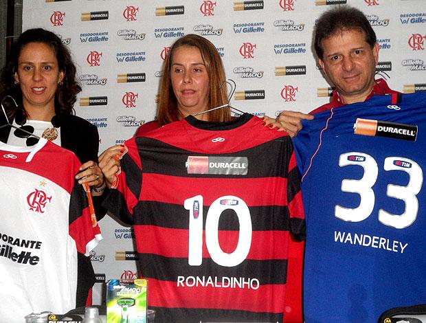 apresentação da camisa do Flamengo com novos patrocinadores (Foto: Marcelo Baltar / Globoesporte.com)