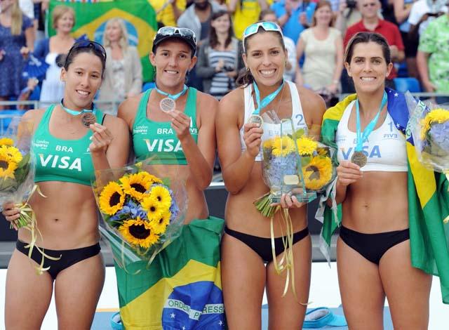 Taiana, Vivian, Lili e Ângela, vôlei de praia (Foto: Divulgação/FIVB)