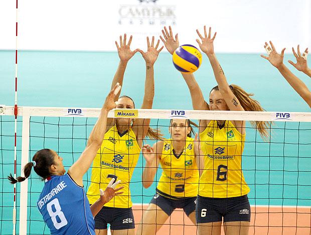 Brasil contra Itália no Grand Prix de vôlei (Foto: Divulgação / FIVB)