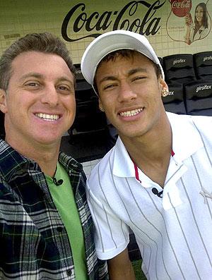 Neymar e Luciano Huck (Foto: Reprodução / Twitter)