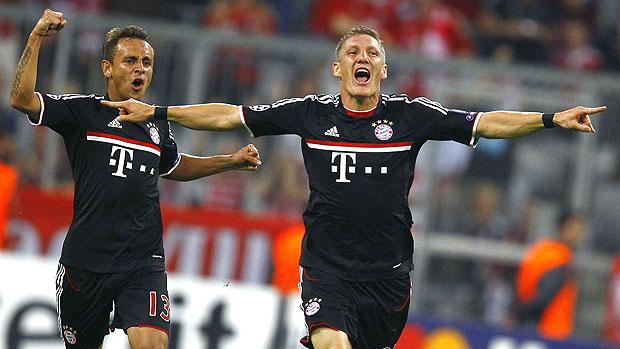 Bastian Schweinsteiger comemora gol do Bayern contra o Zurique (Foto: Reuters)