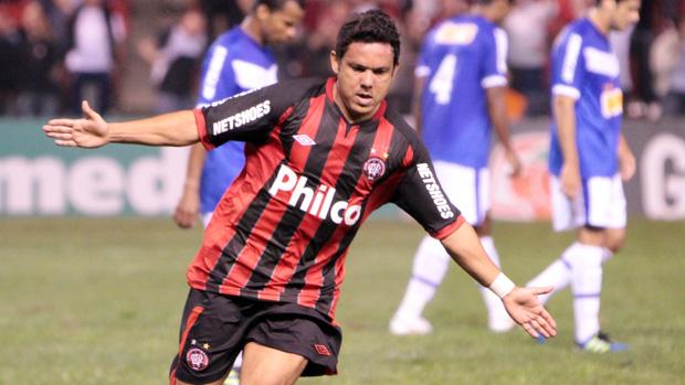 Atlético-PR vence o Cruzeiro no final: 2 a 1 (Joka Madruga/Agência Estado)