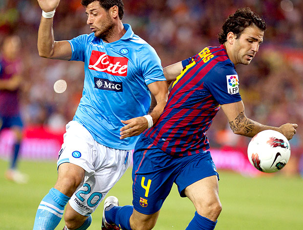 Fabregas no jogo do Barcelona contra o Napoli (Foto: EFE)