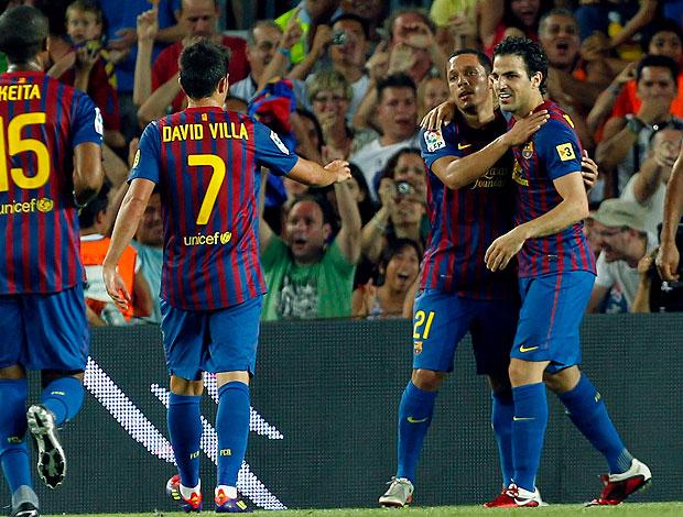 Fabregas comemora gol do Barcelona contra o Napoli (Foto: EFE)