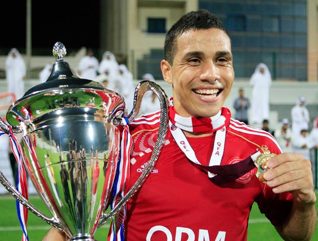 Wanderley campeão pelo Al Arabi no Qatar   (Foto: Reuters)