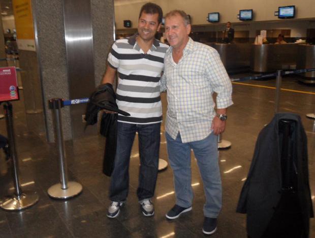 Zico no aeroporto (Foto: Fred Gomes/Globoesporte.com)