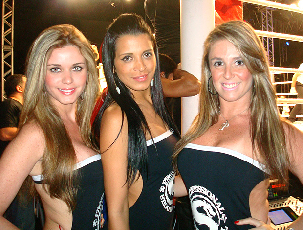 Ring girls do Shooto Lutando no Bope (Foto: Flávio Dilascio / SporTV.com)