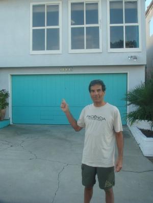 Rorion Gracie na garagem de sua casa (Foto: Arquivo pessoal)