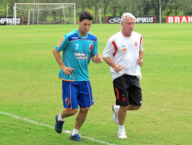 Thiago Neves no treino do Flamengo com Antônio Mello (Foto: Richard Souza / GLOBOESPORTE.COM)