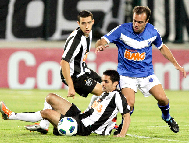 roger cruzeiro atlético-mg (Foto: Washington Alves / Vipcomm)